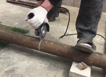 Как ровно отрезать трубу болгаркой