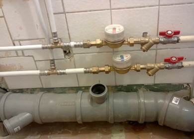 Замена труб в ванной и туалете своими руками