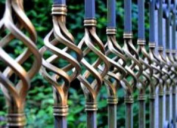 Как выбрать железный забор?