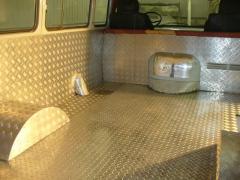 Использование рифленого листа в автомобилестроении