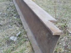 Двутавровый стальной брус